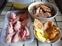 土茯苓绿豆乳鸽汤的做法第2步图片步骤 www.027eat.com