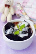 清热蜜汁椰奶龟苓膏的做法