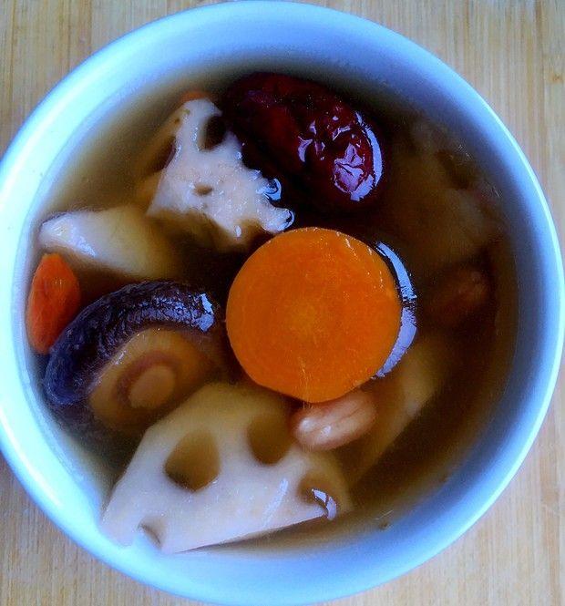 莲藕补血强身汤的做法