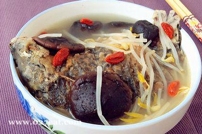 银芽香菇鲫鱼汤的做法图片,如何做,银芽香菇鲫鱼汤怎么做好吃详细步骤