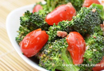 培根番茄西兰花的做法