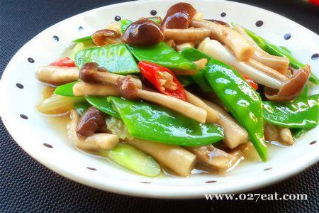 茶树菇炒兰豆的做法