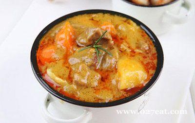 咖喱羊肉配香煎馒头片的做法