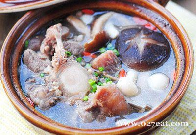 牛尾鲜菌汤煲的做法图片,如何做,牛尾鲜菌汤煲怎么做好吃详细步骤