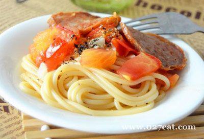 肉饼蒜香番茄意面的做法