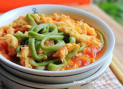 翡翠西红柿鸡蛋打卤面的做法