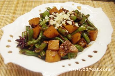 酱焖豆角土豆的做法