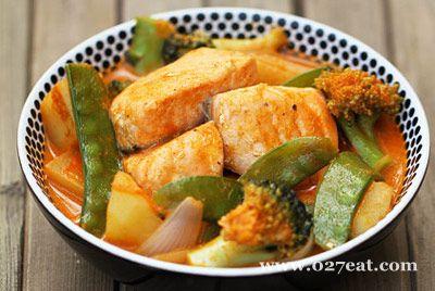 红咖喱杂蔬三文鱼的做法图片,如何做,红咖喱杂蔬三文鱼怎么做好吃详细步骤
