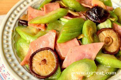 香菇火腿烧丝瓜的做法
