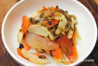 雪菜炒茭白的做法