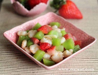 草莓莴笋丁炒虾球的做法图片,如何做,草莓莴笋丁炒虾球怎么做好吃详细步骤