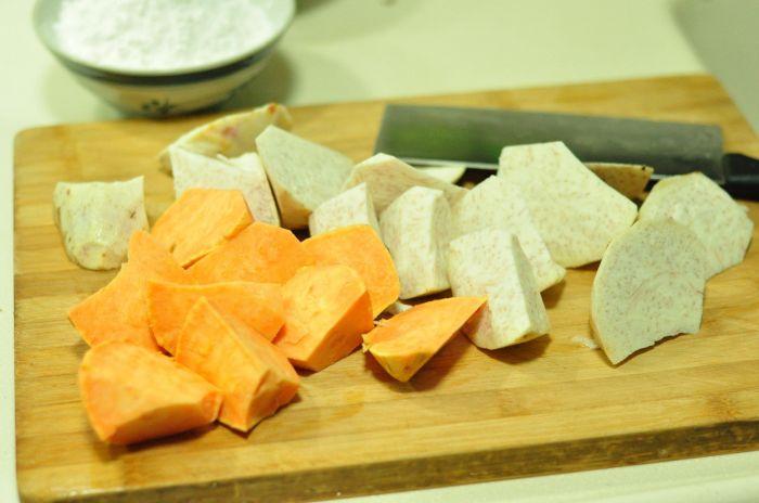 红豆芋圆甜汤的做法第3步图片步骤 www.027eat.com