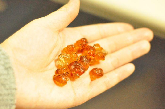 桃胶银耳冰糖炖的做法第1步图片步骤 www.027eat.com