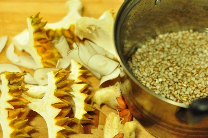 海底椰榴莲薏米汤的做法第1步图片步骤 www.027eat.com