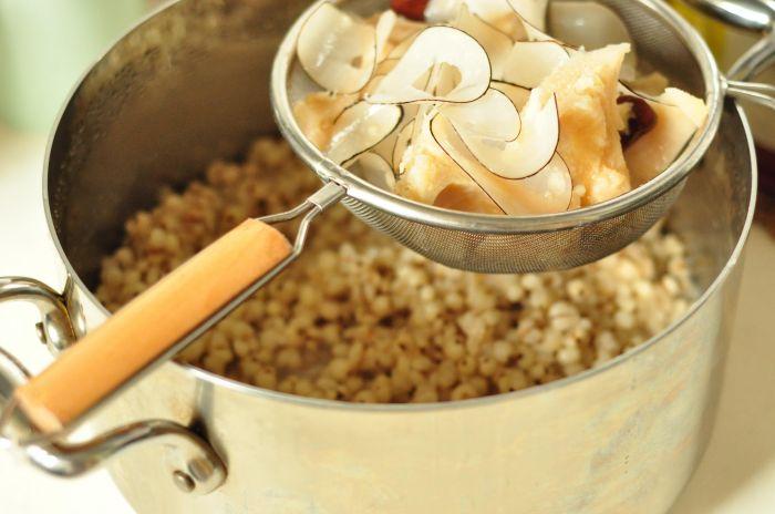 海底椰榴莲薏米汤的做法第3步图片步骤 www.027eat.com