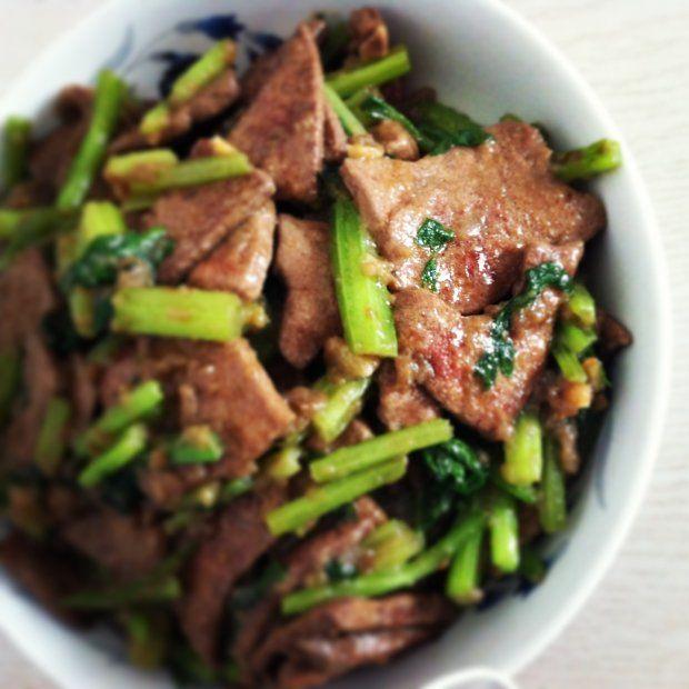 猪肝炒芹菜的做法