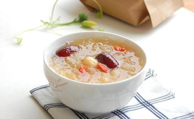 银耳红枣莲子羹的做法图解,如何做,银耳红枣莲子羹怎么做好吃详细步骤的做法