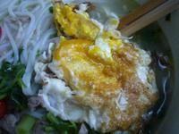荷包蛋肉丝米线的做法第5步图片步骤 www.027eat.com