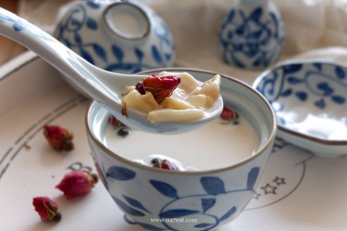 玫瑰牛奶炖花胶的做法第9步图片步骤 www.027eat.com