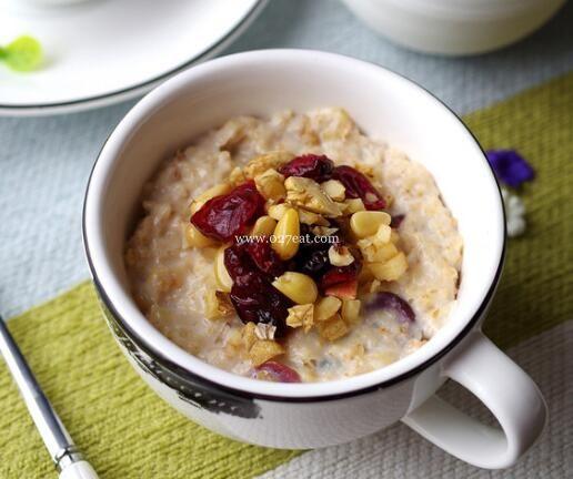 蔓越莓燕麦粥的做法