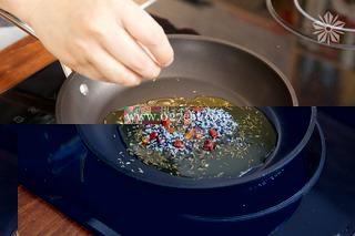 香辣孜然牛肉条的做法第7步图片步骤 www.027eat.com