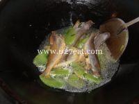 莴笋烧小黄鱼的做法第6步图片步骤 www.027eat.com