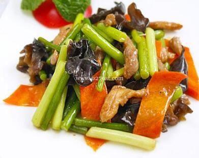 鲜味肉丝炒蒜苔的做法