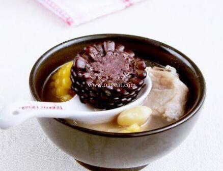 白果玉米排骨汤的做法