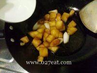 清烧土豆块的做法第7步图片步骤 www.027eat.com