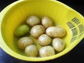 双烤小土豆的做法第1步图片步骤 www.027eat.com