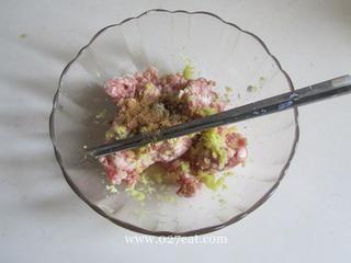 生煎莲藕饼的做法第1步图片步骤 www.027eat.com