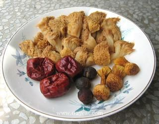 清淡猴头菇纯素汤的做法第7步图片步骤 www.027eat.com