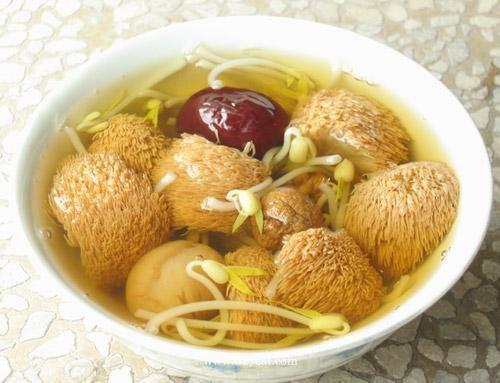 清淡猴头菇纯素汤的做法的做法