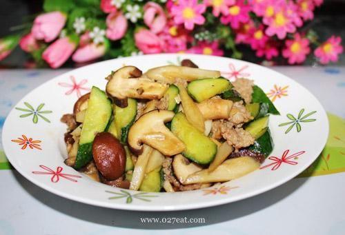 香菇牛蒡炒青瓜的做法