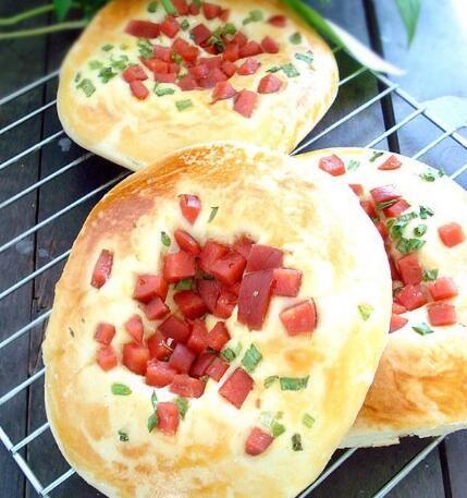 奶酪葱香火腿面包的做法