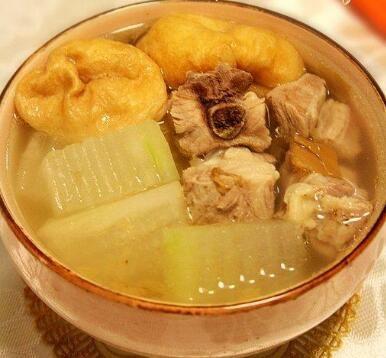 冬瓜油面筋排骨汤的做法