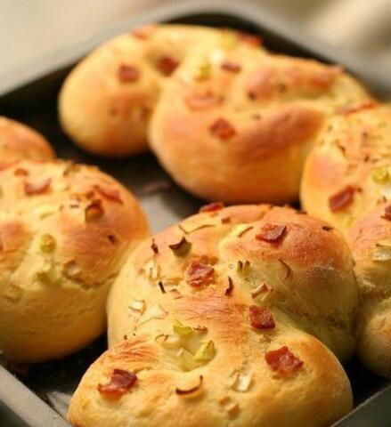 培根香葱早餐包的做法的做法
