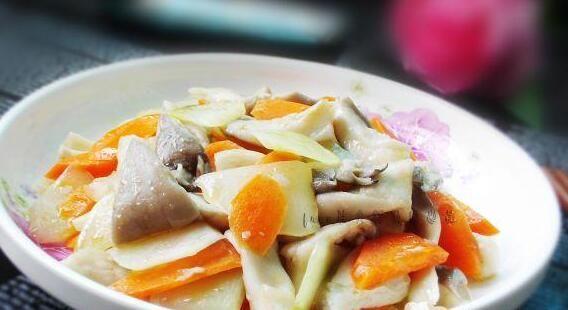 莴笋炒平菇的做法的做法